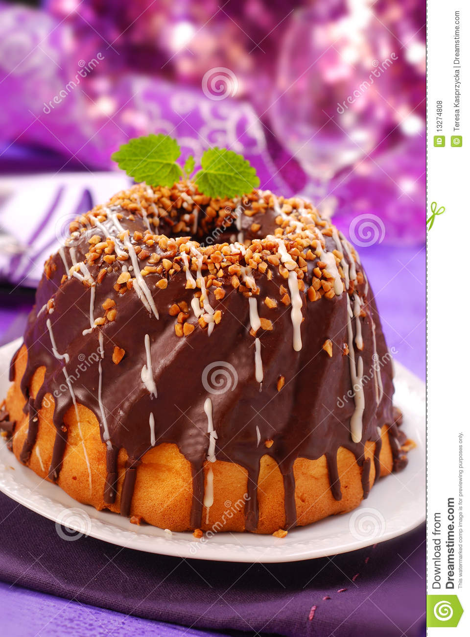 Chocolate Ring Cake Royalty Free Stock Photos - Image: 13274808