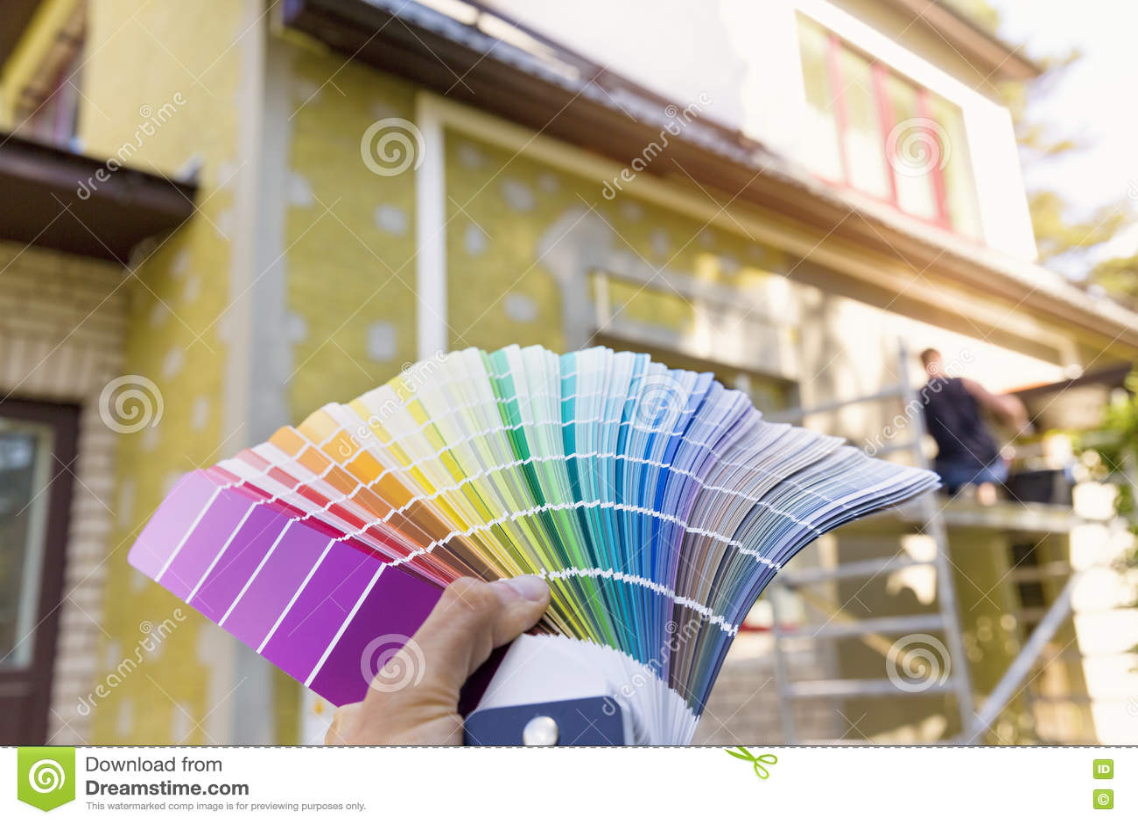 choix d 39 une couleur de peinture pour l 39 ext rieur de maison photo stock image 72049732. Black Bedroom Furniture Sets. Home Design Ideas