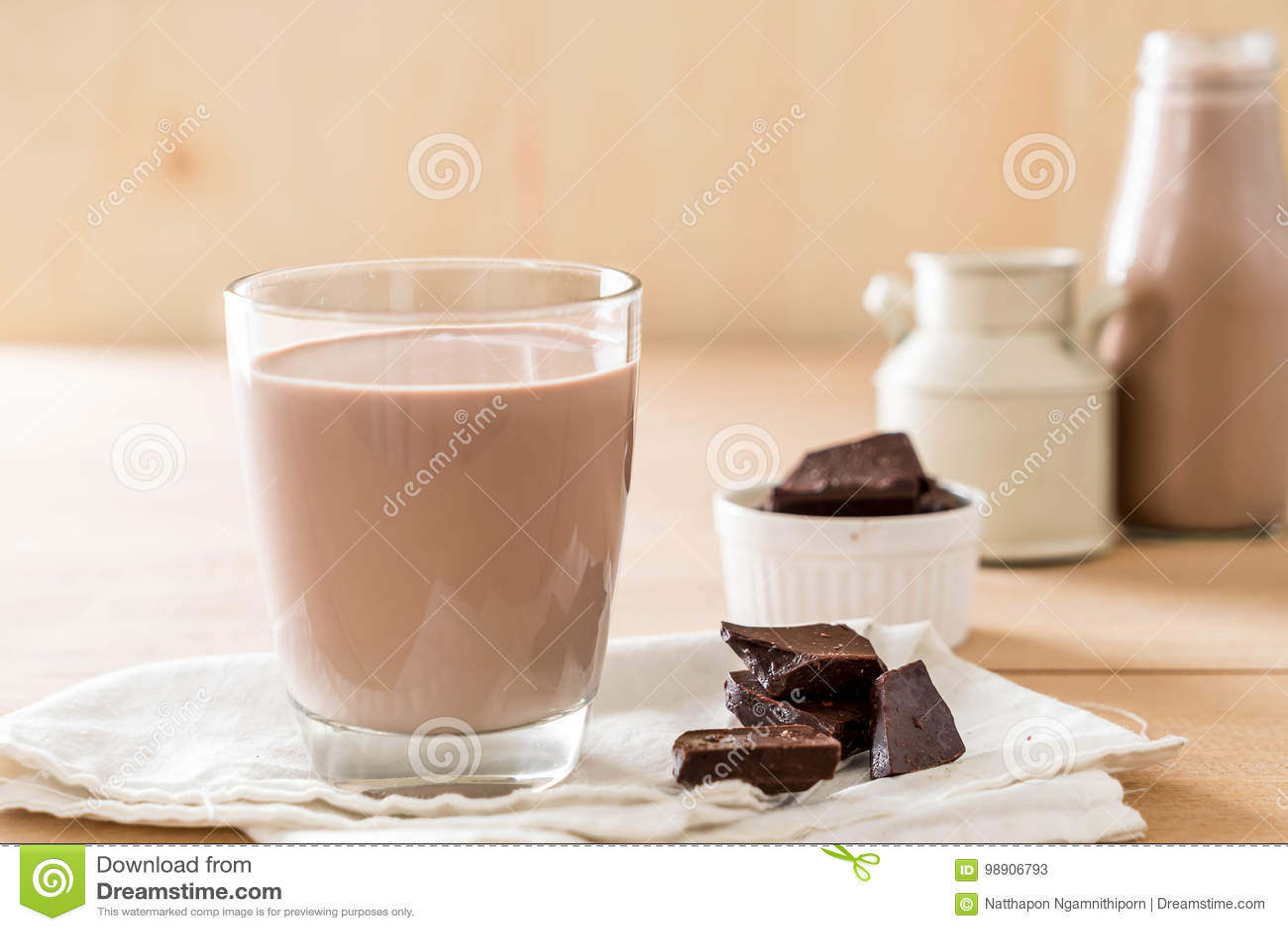 Chokladexponeringsglas mjölkar