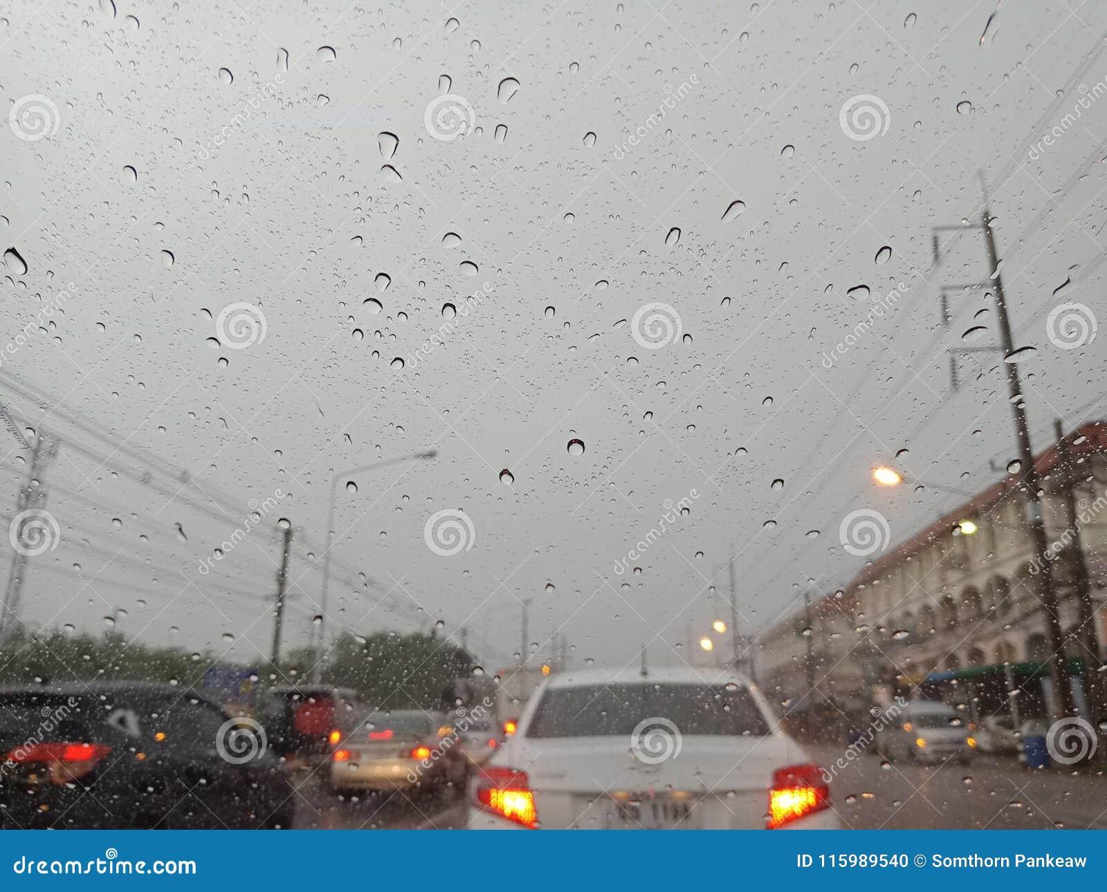 CHONBURI, ΤΑΪΛΑΝΔΗ 09.2018 ΜΑΡΤΙΟΥ: Καταιγίδα Chonburi ` s το Μάρτιο