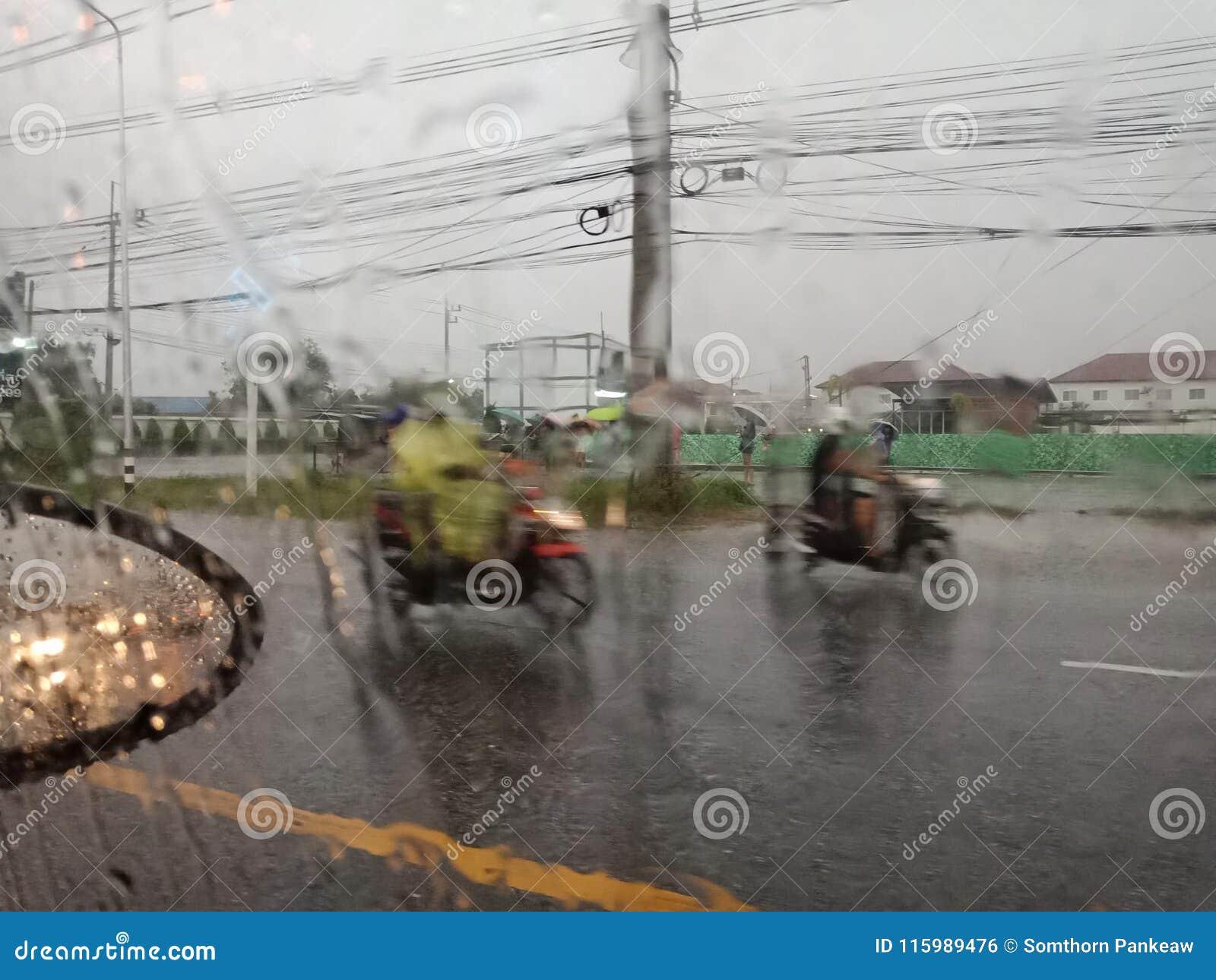 CHONBURI, THAILAND MÄRZ 09,2018: Chonburi-` s Gewitter im März