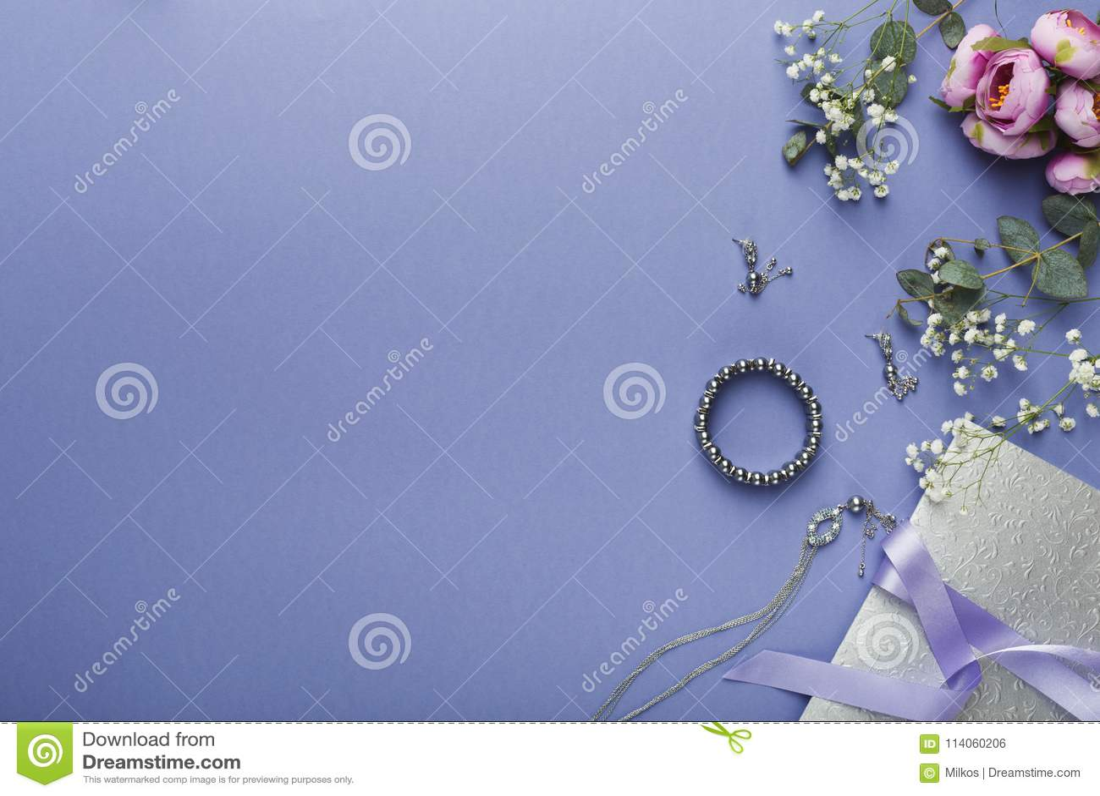 Choosing Wedding Jewelry Background