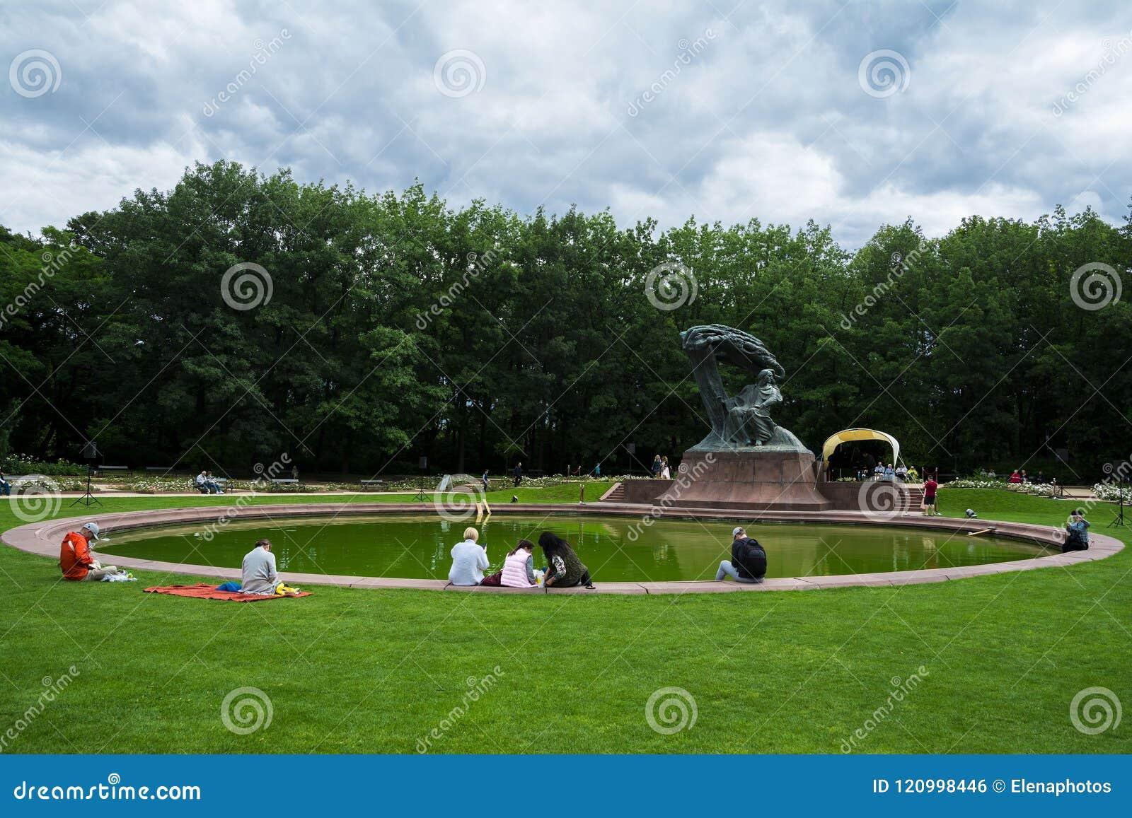 Chopinowscy Koncerty W Królewskim Lazienki Parku W Warszawa