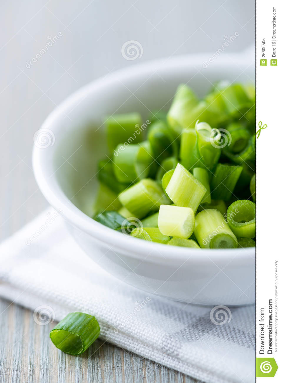 Chopped chive for salad
