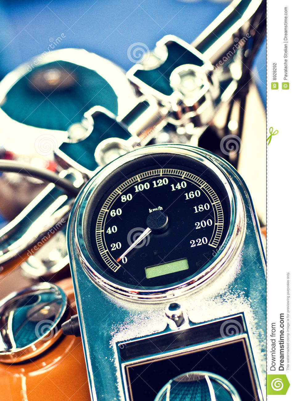 Gbody additionally Tr Pedistal also Boot Amazon as well Moto Guzzi Cafe Racer as well Maxresdefault. on fuel gauge time