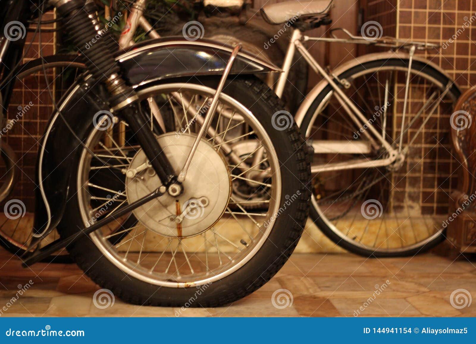 Chopper Side View antico, lampada capa, freno & area in bianco