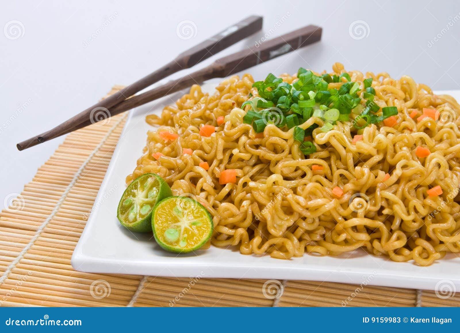 Chopsticks pancit