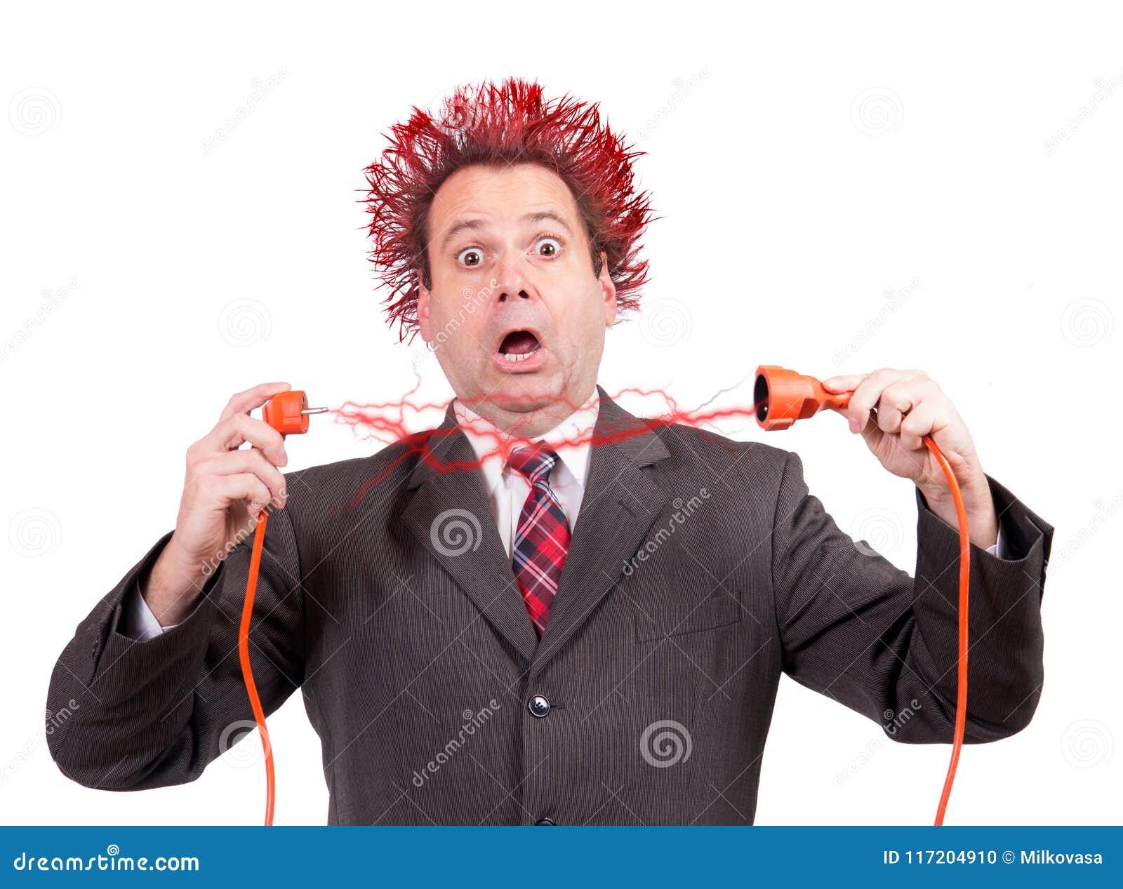 Choque de chispas de un conector de enchufe eléctrico
