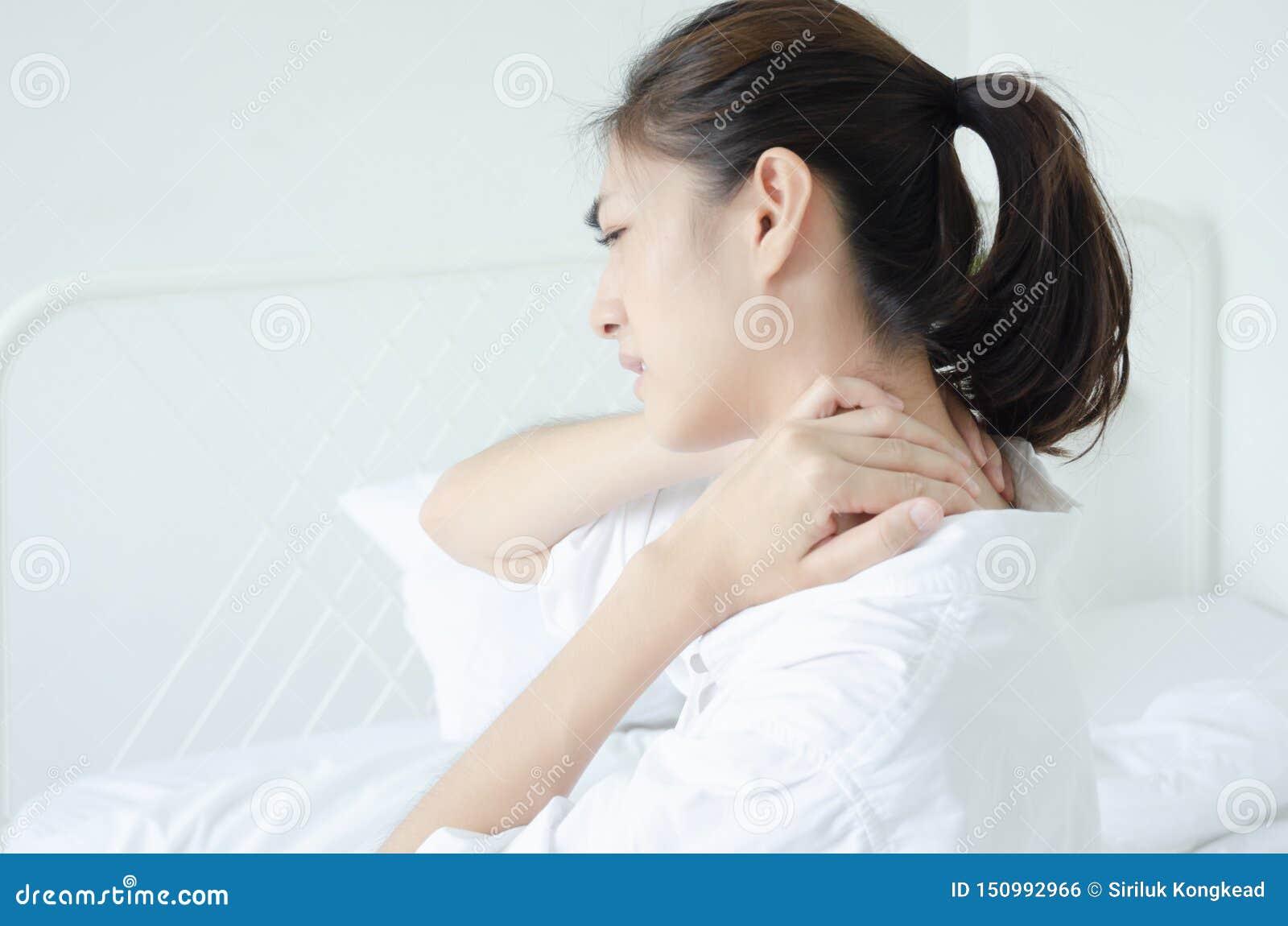 Chora kobieta z b?lem