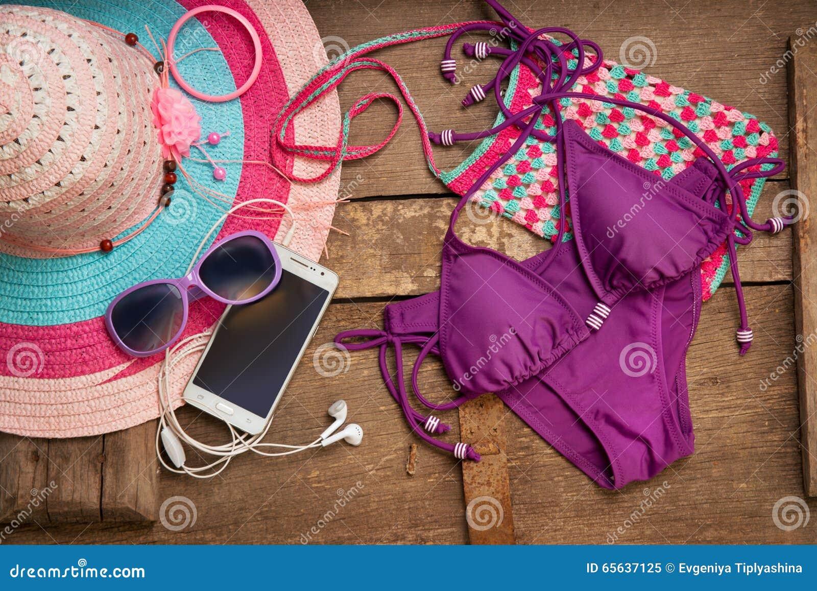 Choses pour la jeune femme de plage