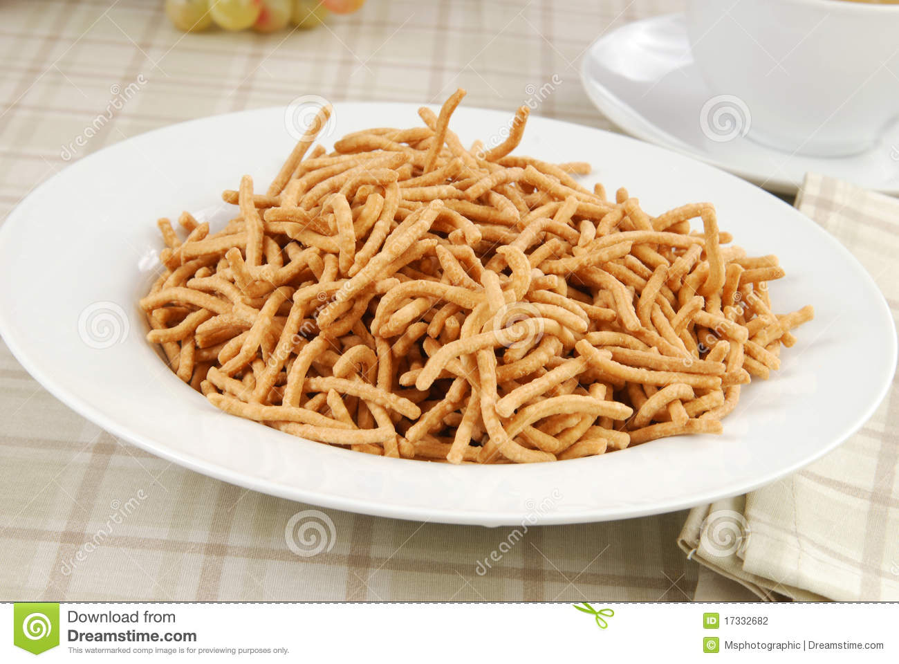 Chow Mein Noodles Stock Photography - Image: 17332682