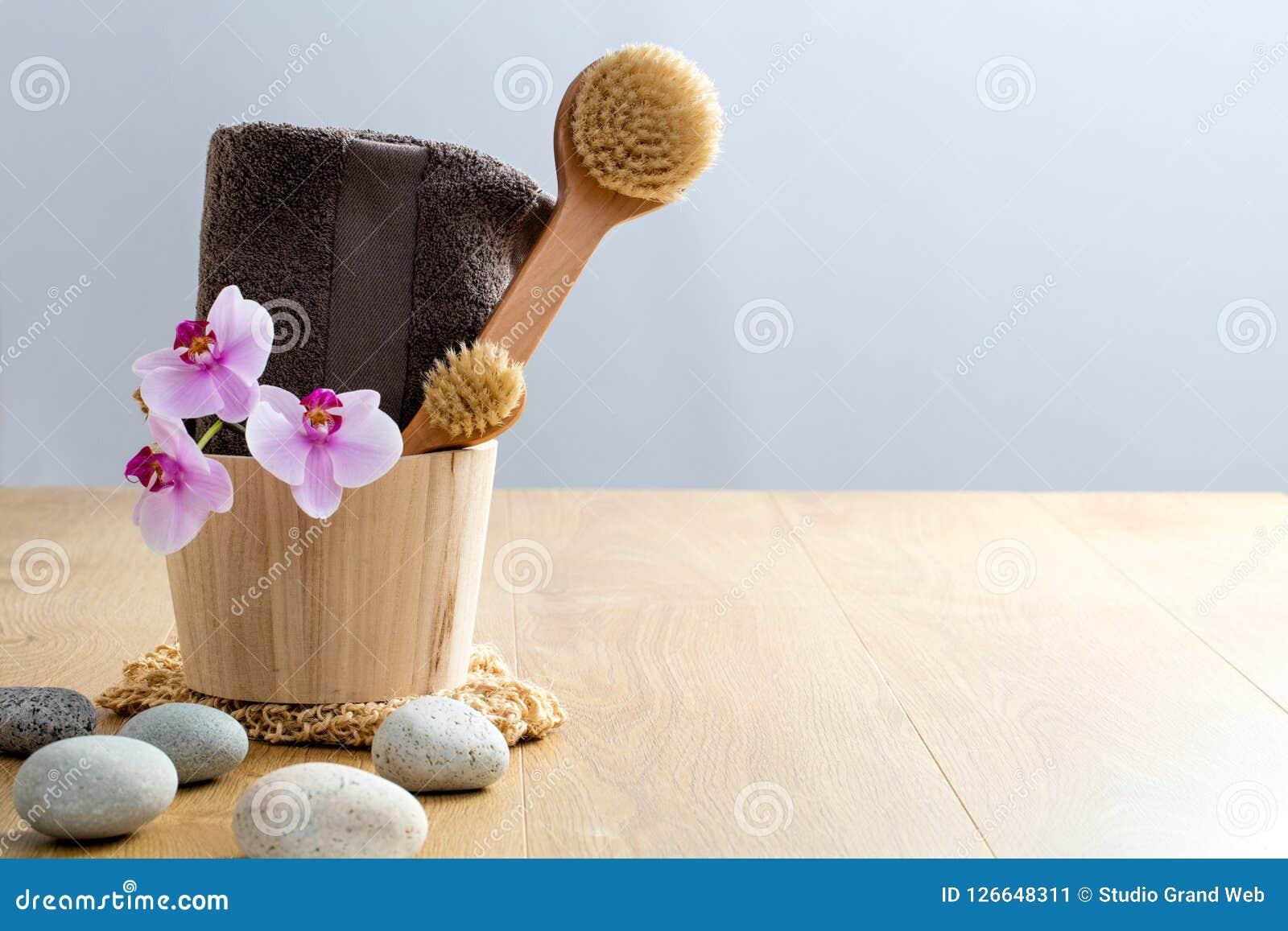 Choyez, exfoliez-vous, lavez, nettoyez, la brosse sèche, detox pour le bien-être