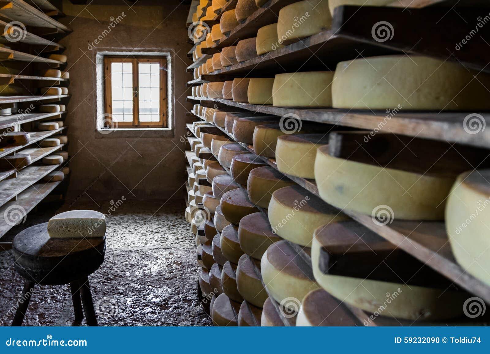 Choza alpina que produce los quesos hechos en casa