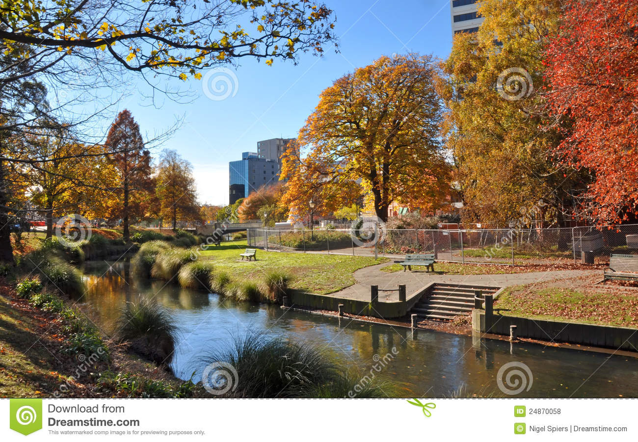 Christchurch City Amp Avon River In Autumn Editorial Stock