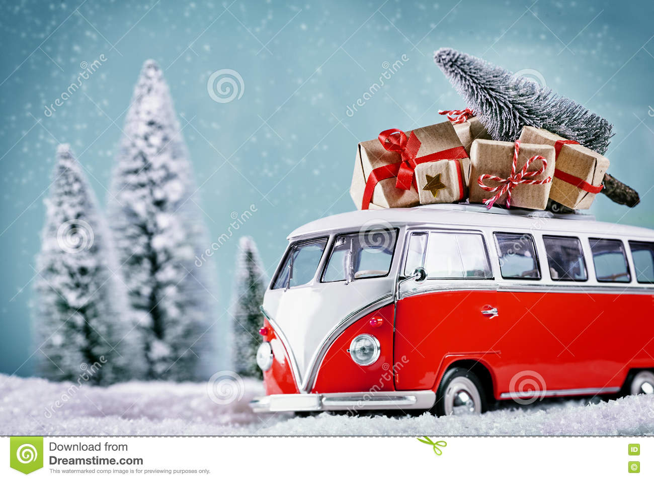 Christmas Bus With Xmas Gifts Stock Illustration - Illustration of modern, holiday: 80192373