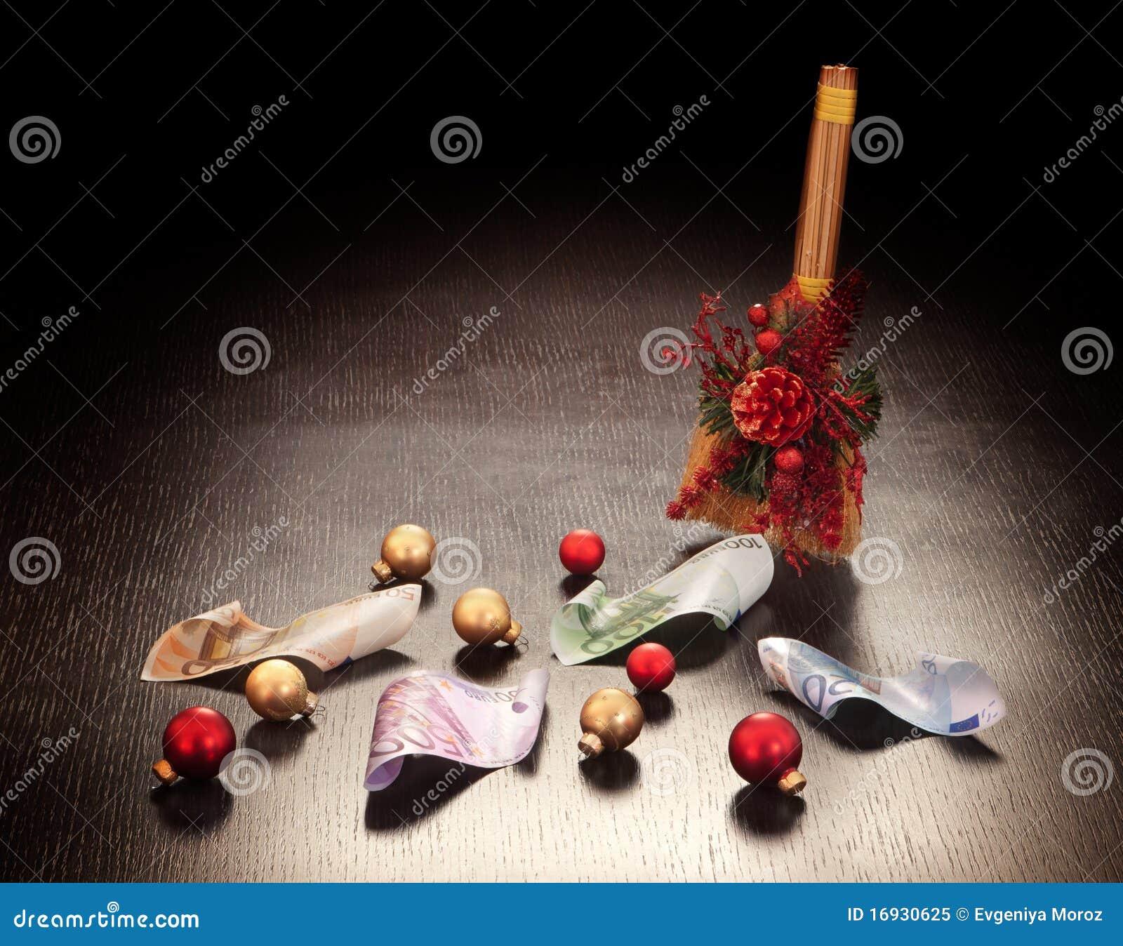 #A82326 Christmas Business Decoration: Euros Royalty Free Stock  6361 décoration noel commerce 1300x1112 px @ aertt.com