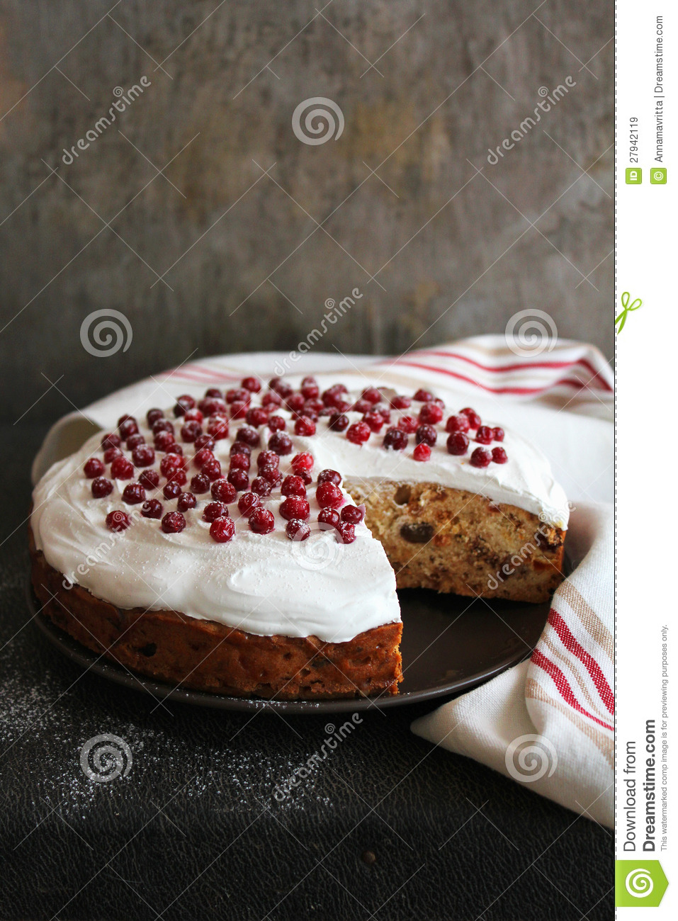 Nuts On Christmas Cake For Decoration : Christmas Cake With Dried Fruits And Nuts Royalty Free ...