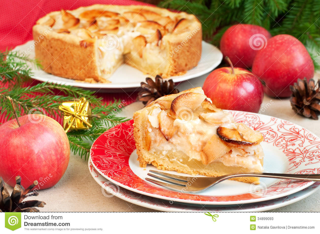 Christmas cake stock photos image 34899093 for Apple pie decoration