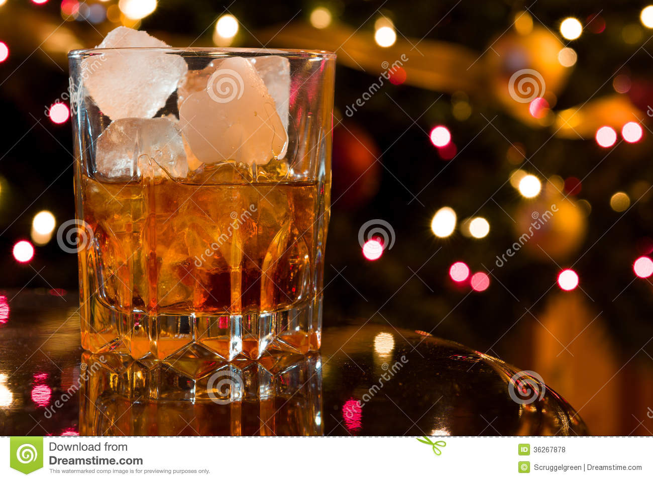 Christmas cocktail royalty free stock photos image 36267878 for Christmas in a glass cocktail