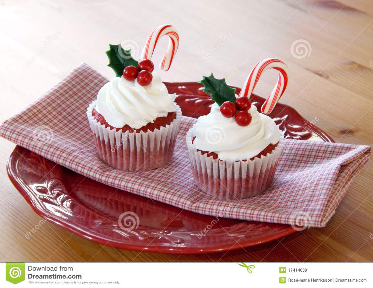 Christmas Cupcakes Royalty Free Stock Images - Image: 17414039