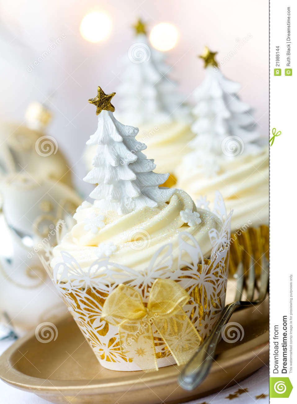 Download Christmas cupcakes stock photo. Image of cake, icing - 21986144