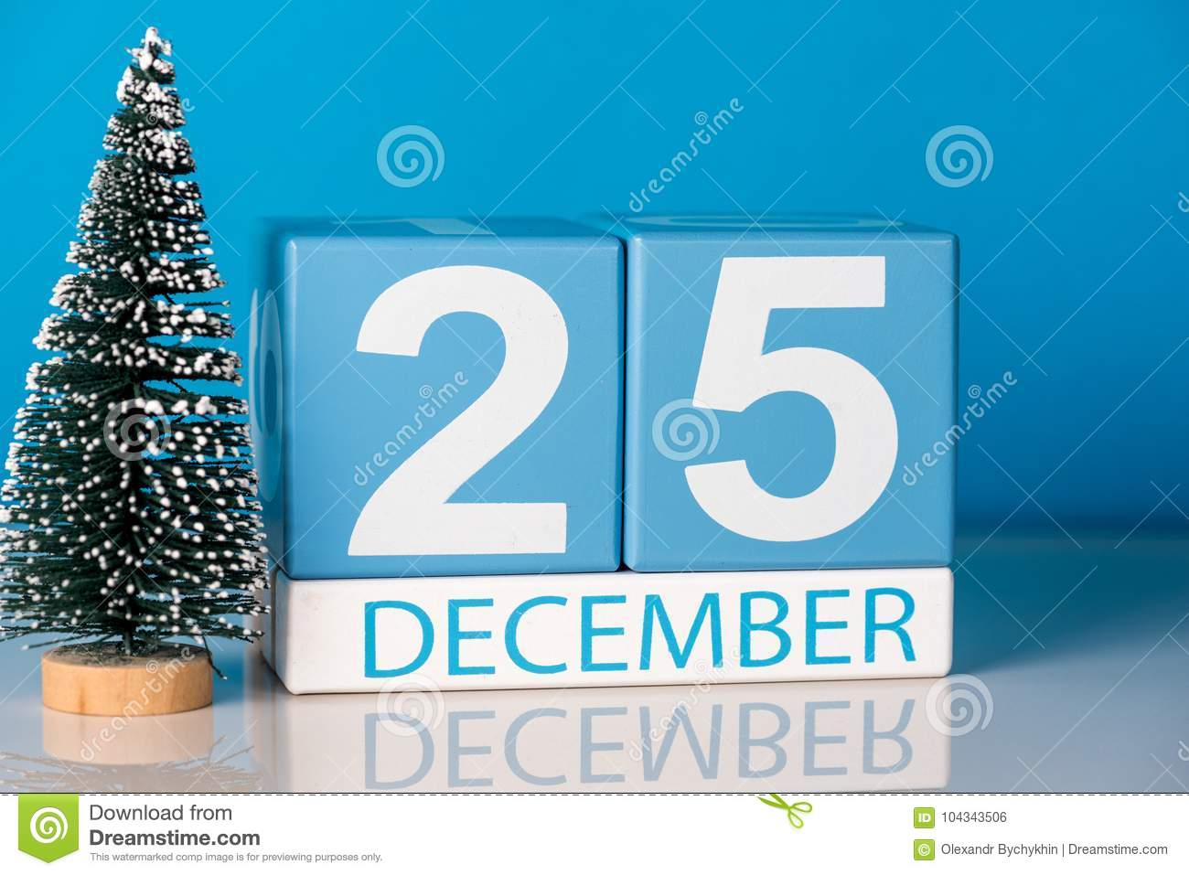 christmas december 25th day 25 of december month calendar with little christmas tree - Why Is Christmas On The 25th