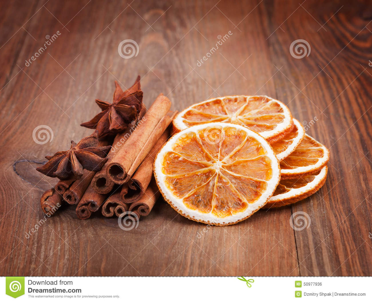Christmas decoration dried orange cinnamon sticks for Baking oranges for christmas decoration