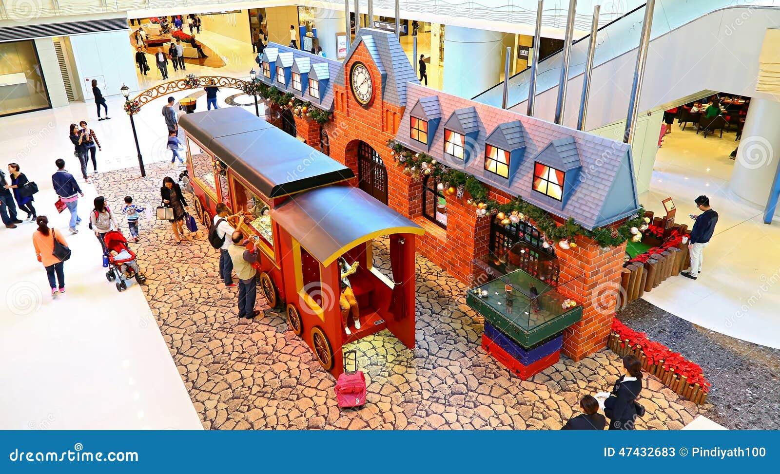 #B72E14 Christmas Decoration At Elements Mall Hong Kong Editorial  6083 decoration de noel train electrique 1300x808 px @ aertt.com