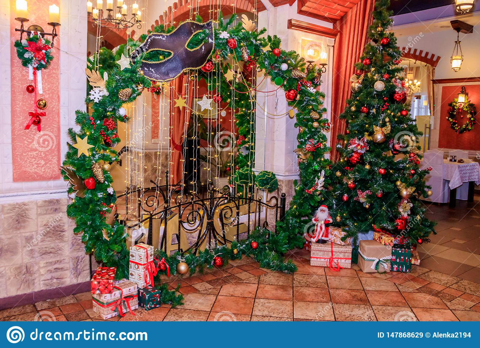 Christmas Decoration Of The Hall In The Restaurant Holiday In The Restaurant New Year S Decor Red And Green Decorations The Stock Image Image Of Champagne Decorations 147868629