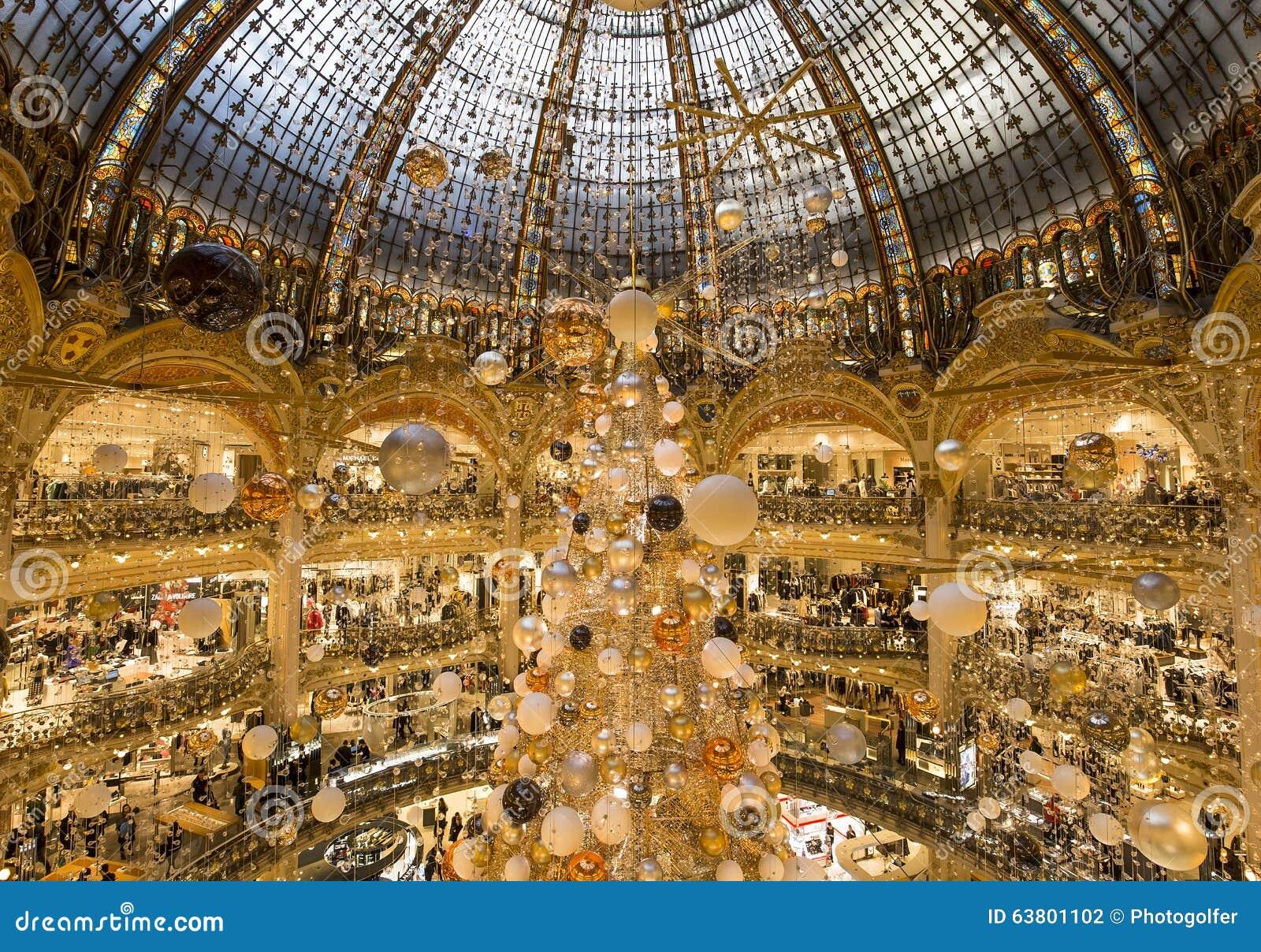 Christmas Decorations At Le Printemps Store, Paris, France ...