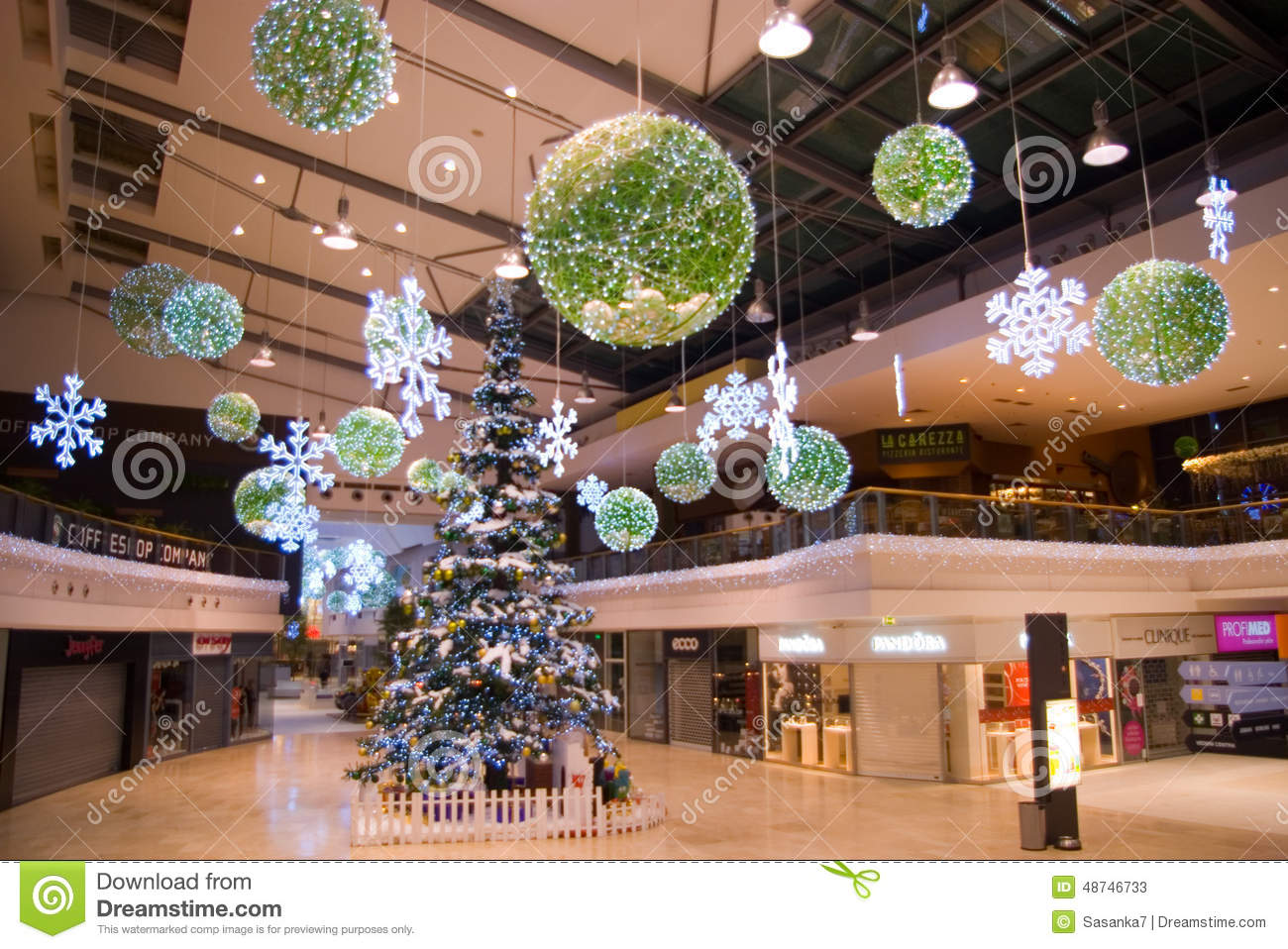 christmas decor at prague shopping center - Mall Christmas Decorations