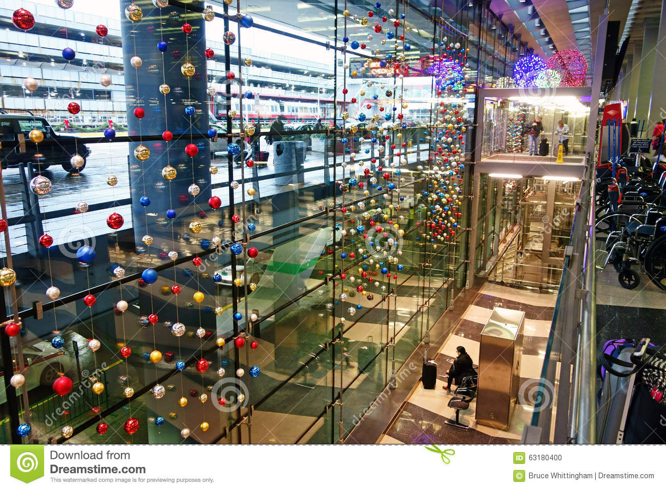 christmas decorations o hare airport chicago - Chicago Christmas Decorations