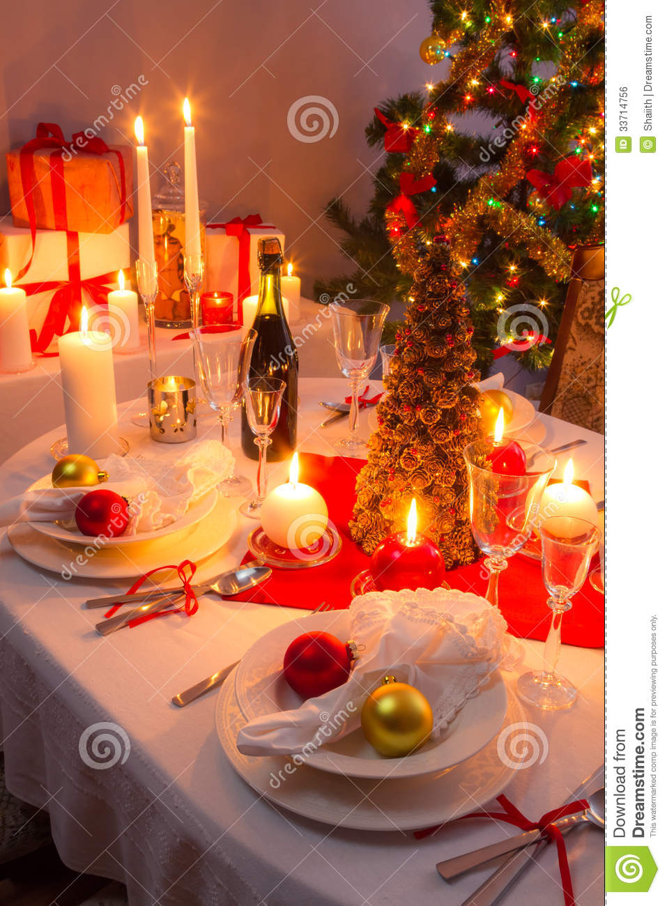 Christmas Eve Dinner For The Whole Family Stock Photo - Image of beautiful, celebrate: 33714756