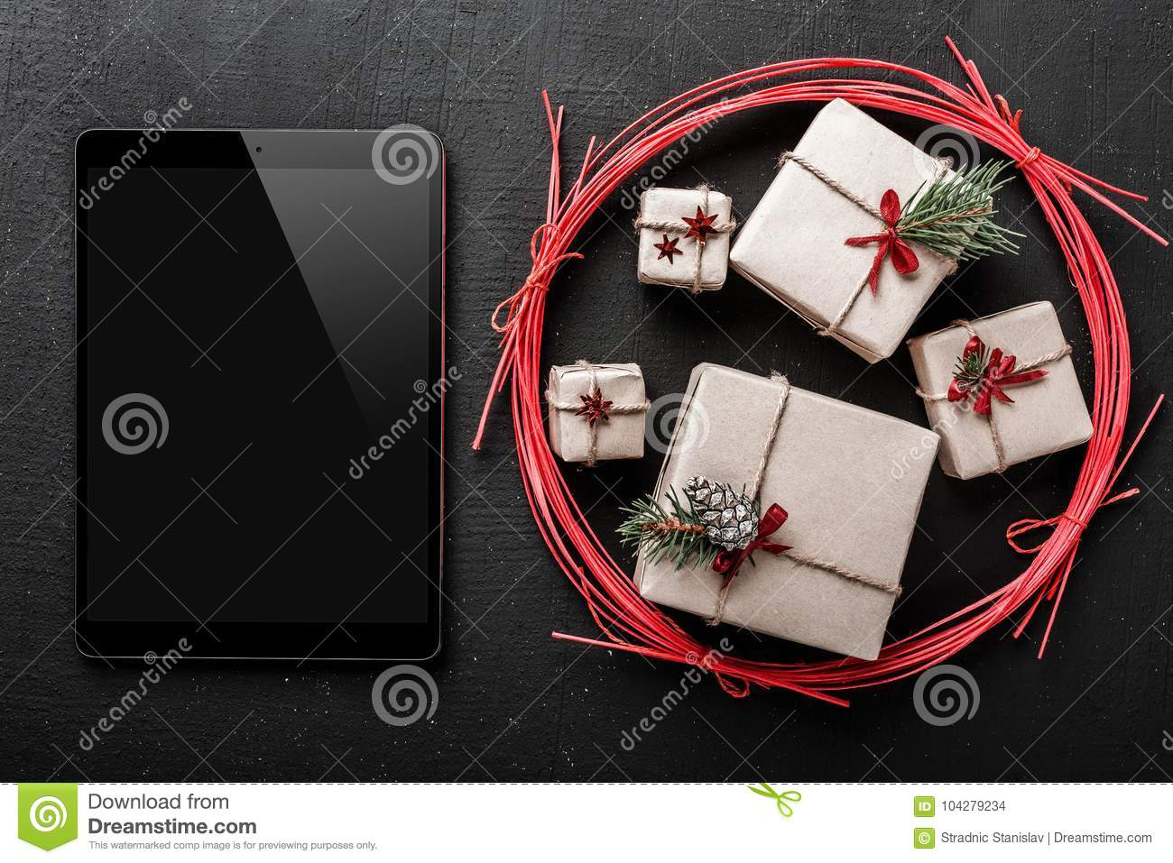 Christmas Greeting Card, Out Of New Year Gifts, Then Send A Greeting ...