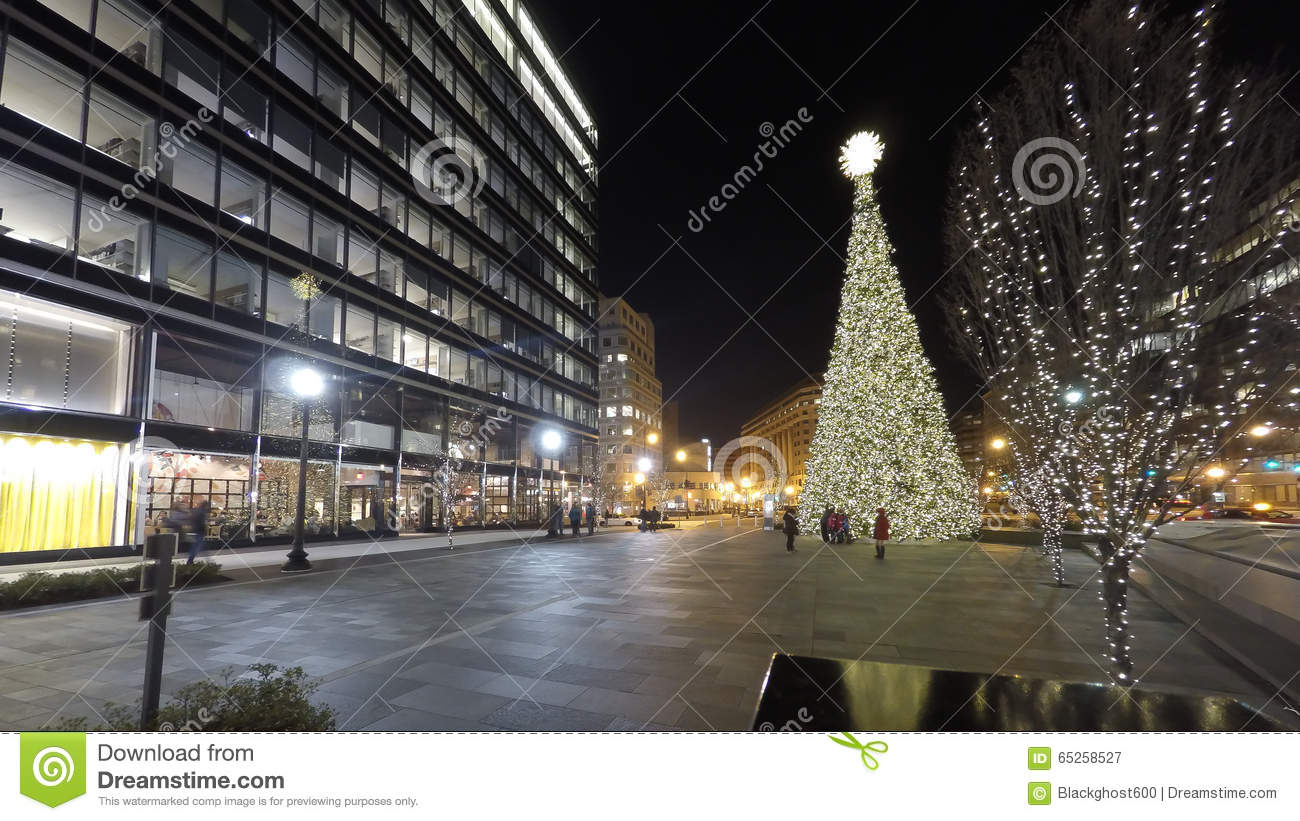 Christmas Time In Washington Dc.Christmas Holiday Night Time Shopping At The City Center In