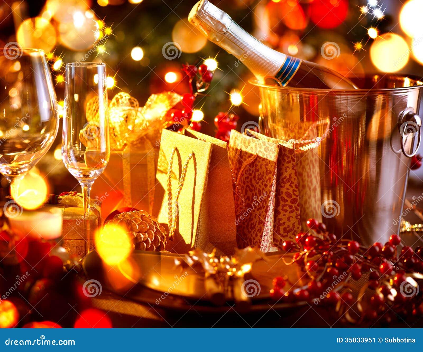 Christmas Holiday Table Setting Stock Image Image 35833951