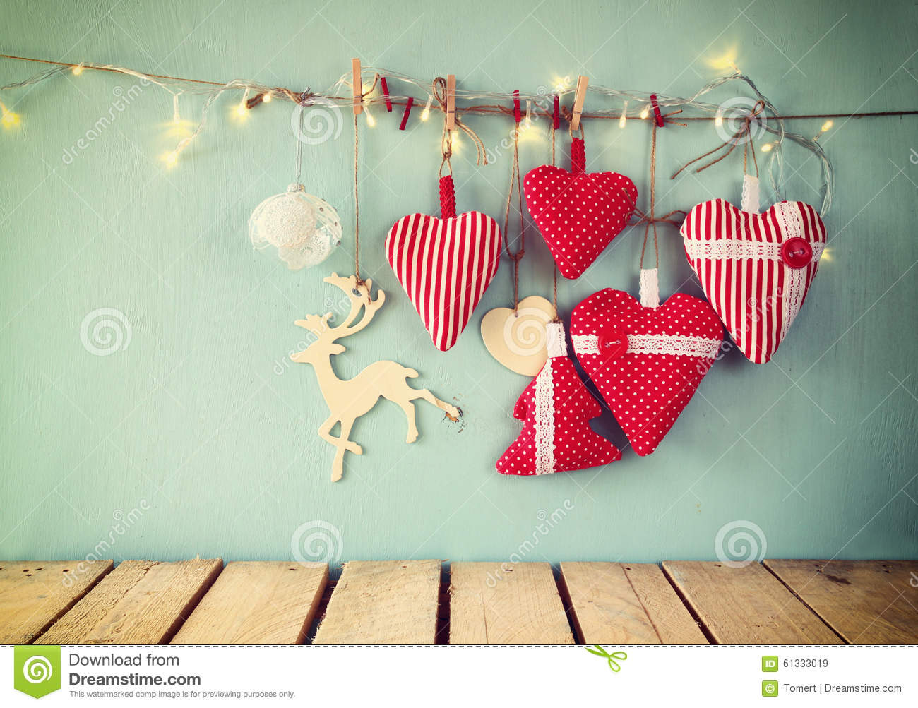 Retro Weihnachtsbilder.Christmas Image Of Fabric Red Hearts And Garland Lights Hanging On