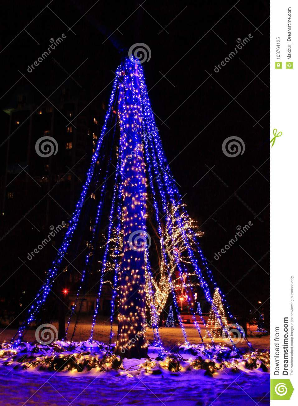 christmas light festival trees in niagara falls