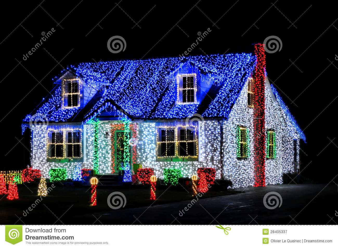 Christmas lights show display on house at night stock for Decoration lumineuse