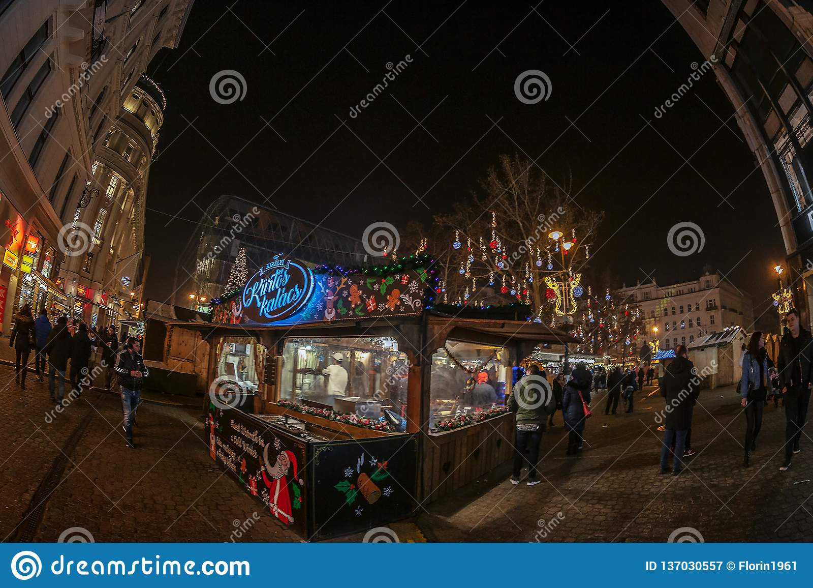 Budapest Christmas Market 2018.Christmas Market In Budapest Hungary Editorial Photography
