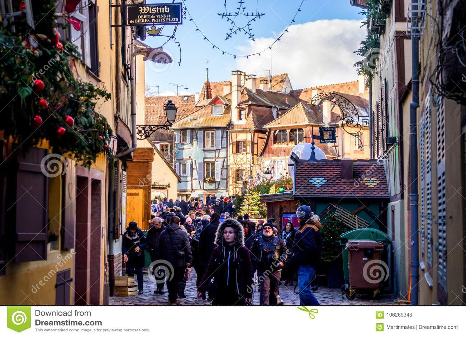 Christmas market visitors in Colmar