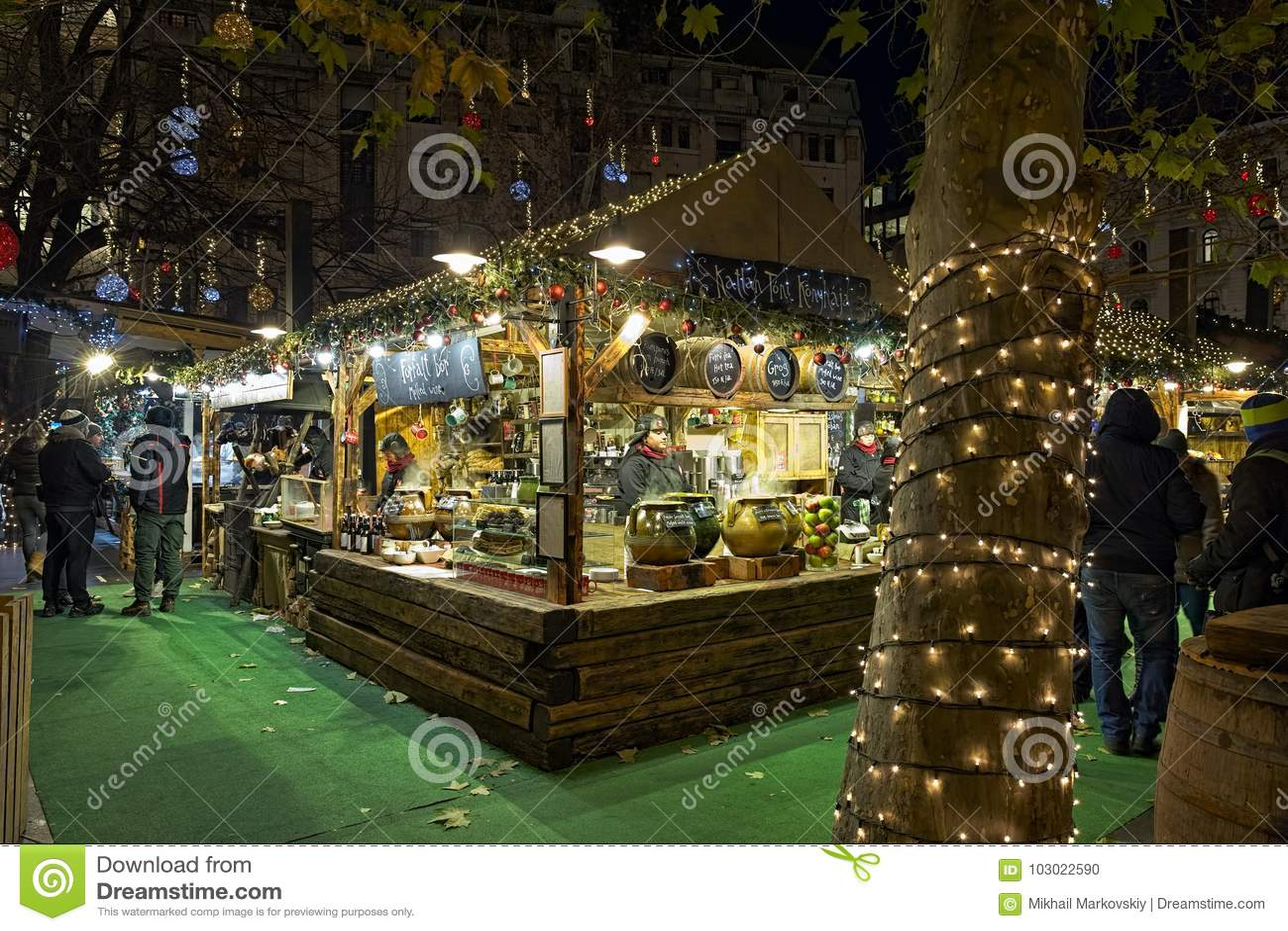 Vorosmarty Square Budapest Christmas Market.Christmas Market At Vorosmarty Square In Budapest Hungary