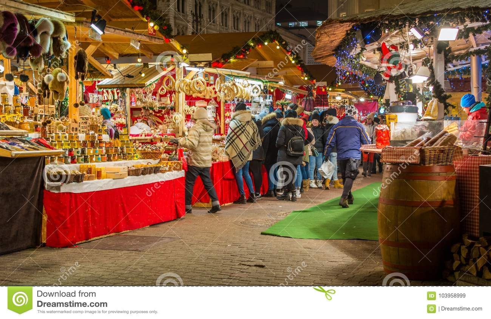 Vorosmarty Square Budapest Christmas Market.Christmas Market In Vorosmarty Square In Budapest Hungary