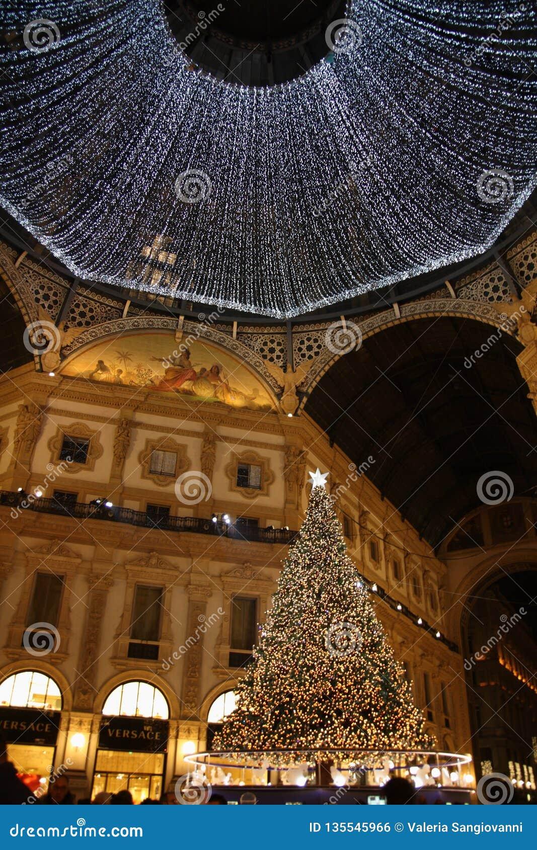 Christmas 2018 Milan Galleria Vittorio Emanuele Ii Swarovski