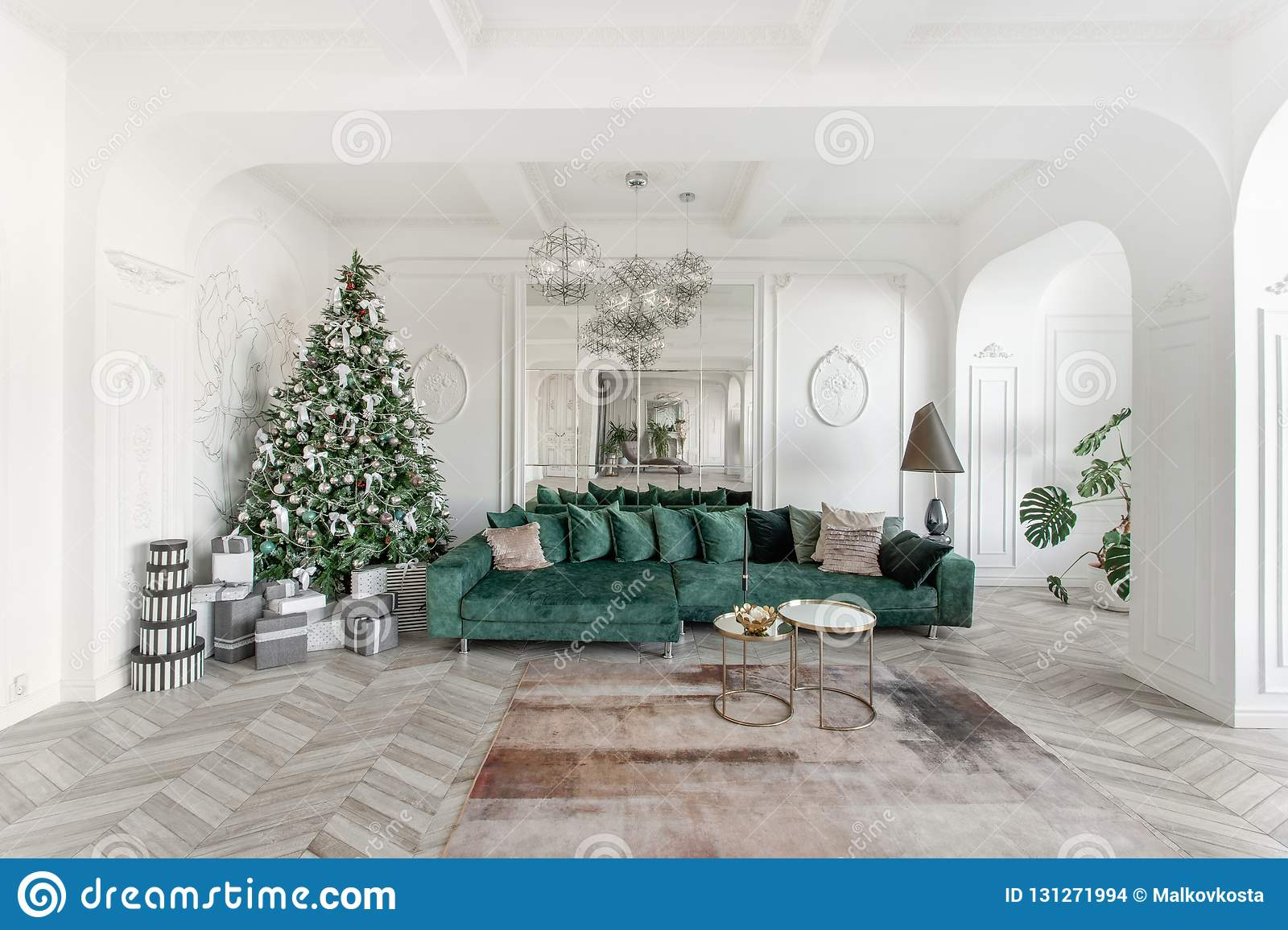 Christmas Morning Classic Luxurious Apartments With Decorated