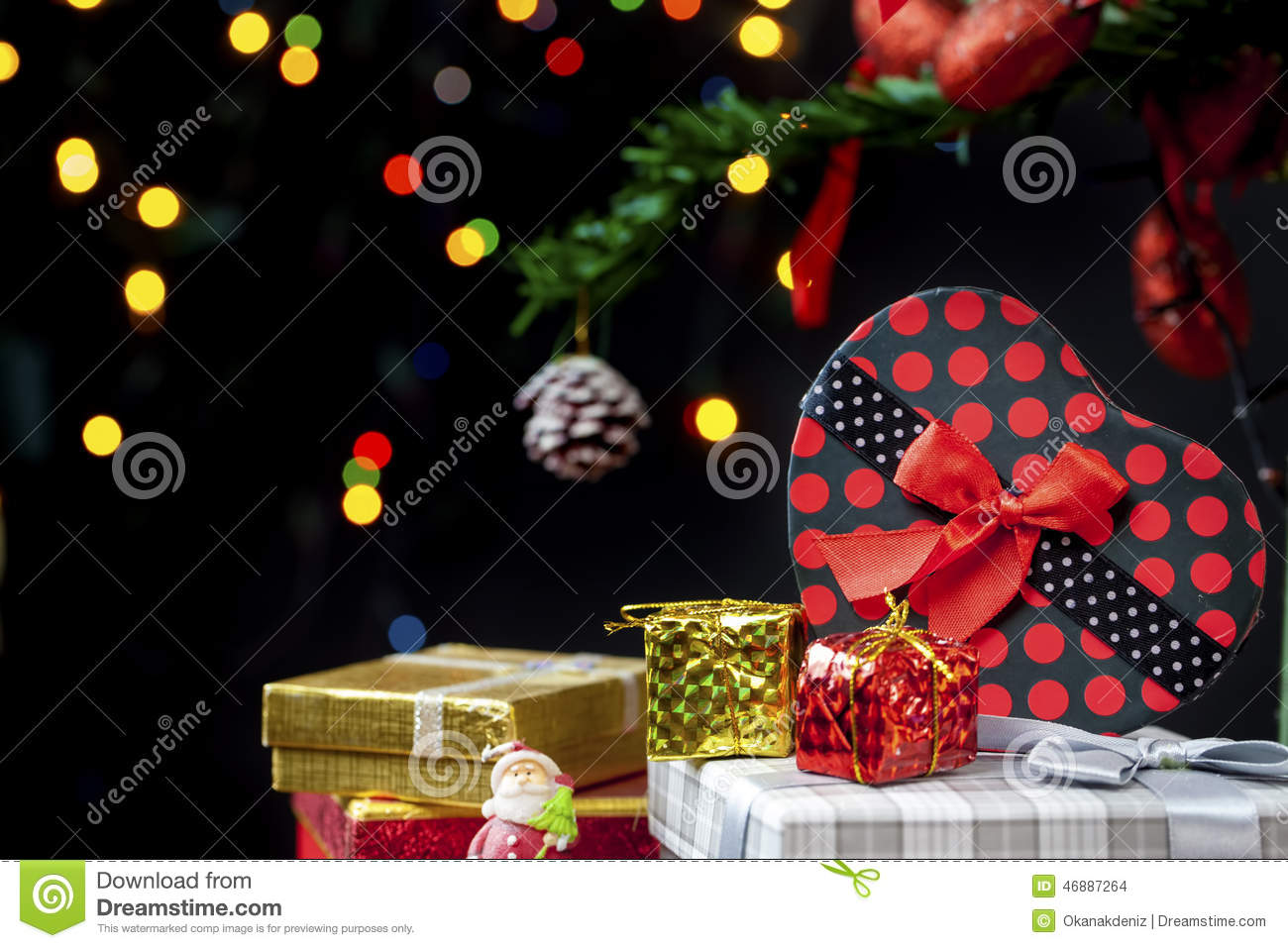 #B9A812 Christmas New Year Decoration Stock Photo Image: 46887264 6361 décoration noel commerce 1300x957 px @ aertt.com