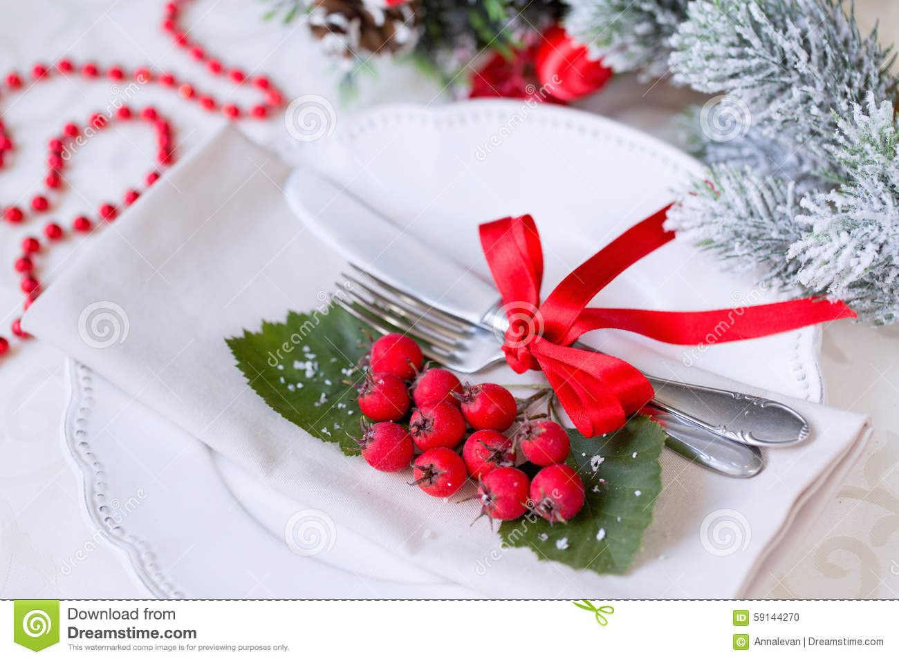Christmas and new year holiday table setting celebration for Castorama deco de noel