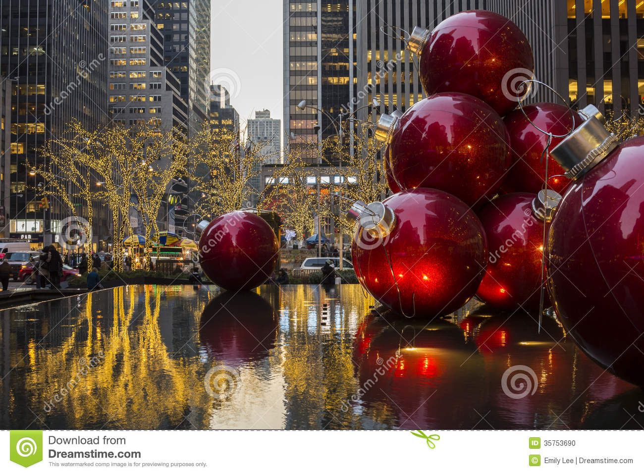 Christmas Ornaments In A Fountain Nyc Editorial Image