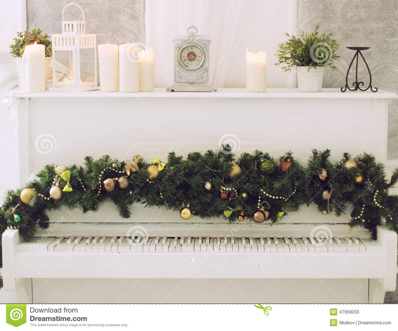Christmas Piano.Christmas Piano Stock Image Image Of Celebration Grunge