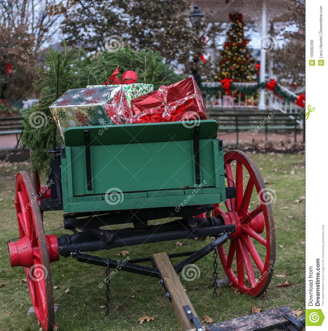 657 Christmas Wagon Photos Free Royalty Free Stock Photos From Dreamstime